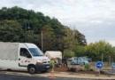 Jouy-en-Josas – Madame le maire fait jardiner un rond-point en urgence le dimanche par les salariés de la ville